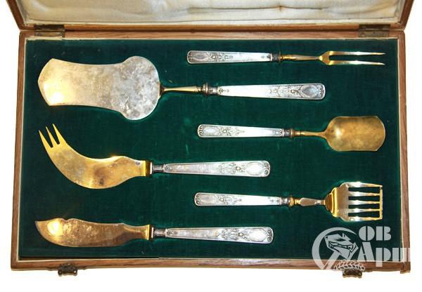 Серебрянный набор для сервировки из шести предметов в оригинальном футляре