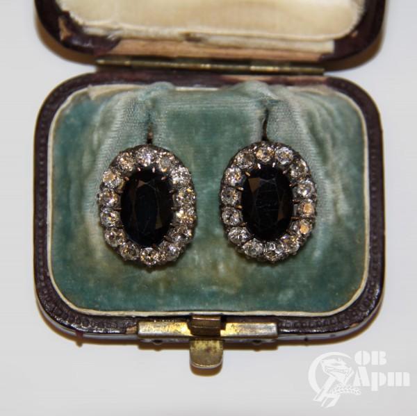 Серьги-малинки с сапфирами и бриллиантами