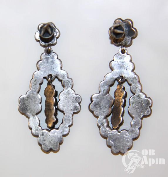 Серьги-подвески с гранатами