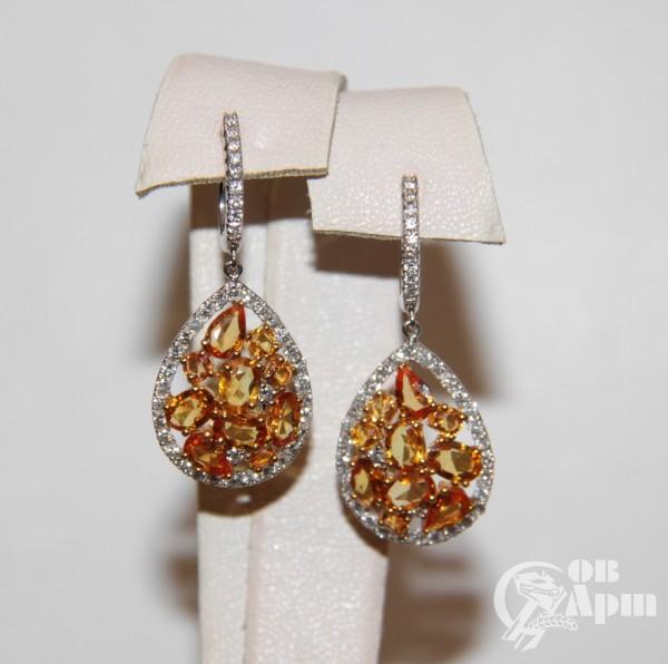Серьги-подвески с желтыми сапфирами и бриллиантами