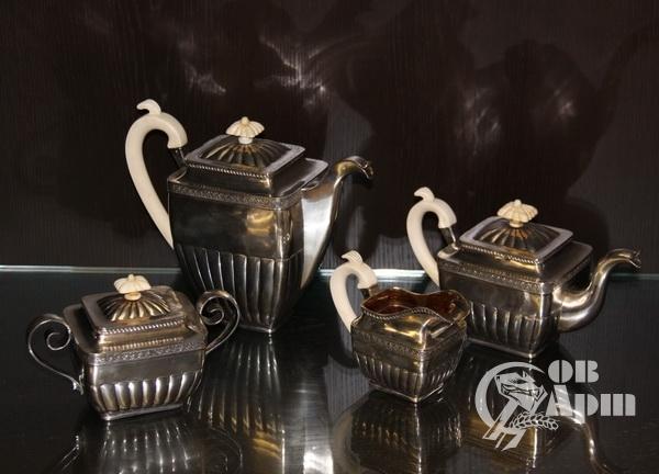 Сервиз чайный фирмы Сазикова