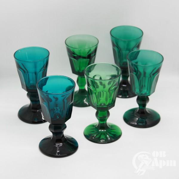 Шесть бокалов в готическом стиле