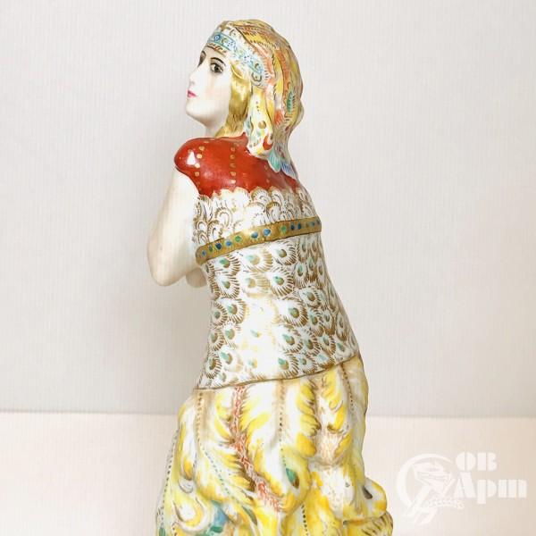 Скульптура балерина Т.П.Карсавина в роли Жар-Птицы