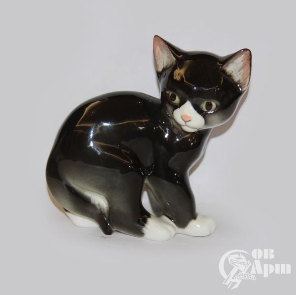 """Скульптура """"Черный кот"""""""