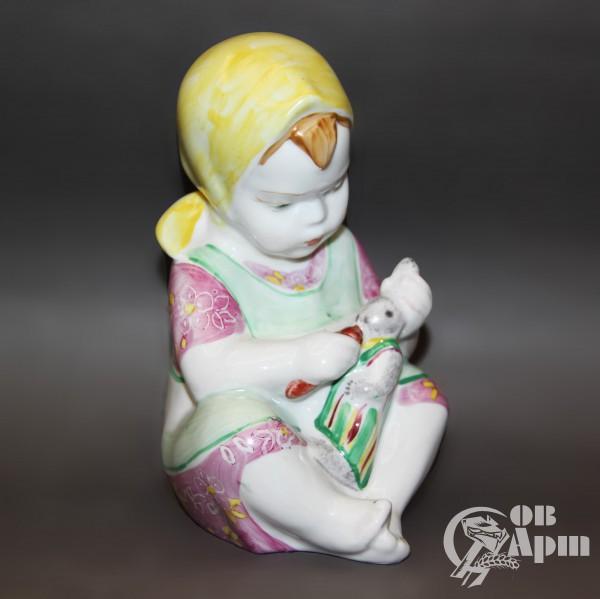 """Скульптура """"Девочка с зайкой"""""""