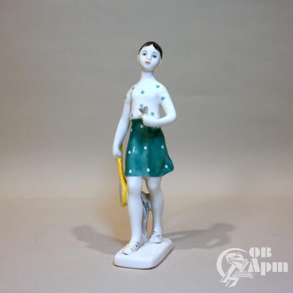 """Скульптура """" Девушка с ракеткой"""" (Бадминтонистка)"""