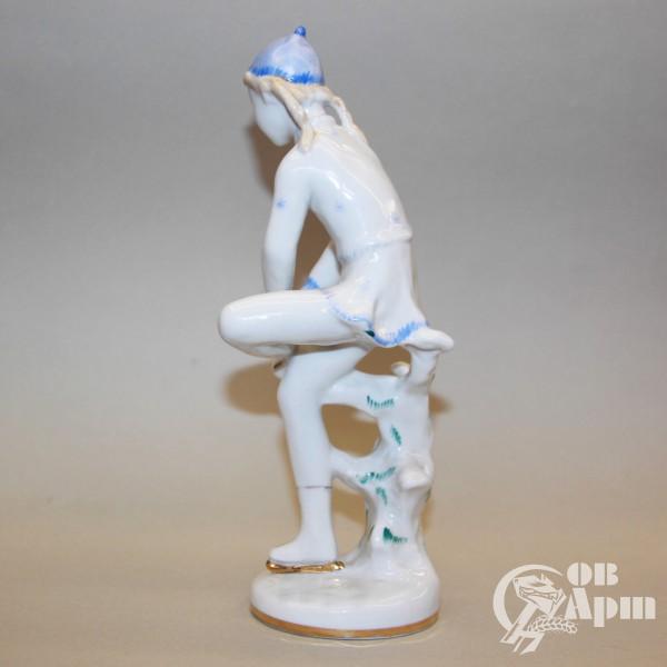 "Скульптура ""Фигуристка"" (""На катке"")"