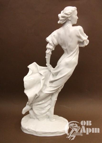 """Скульптура """"Г.С.Уланова в партии Джульетты в балете """"Ромео и Джульетта"""""""