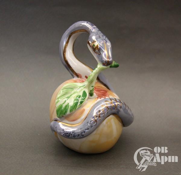 """Скульптура """"Год змеи"""""""