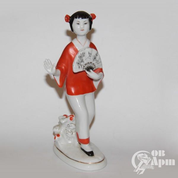 """Скульптура """"Китаянка в красном"""""""
