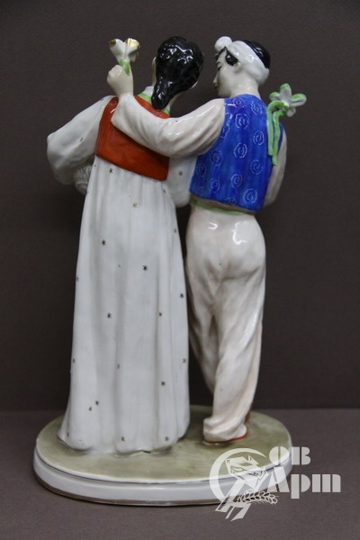 "Скульптура ""Корейский танец"""