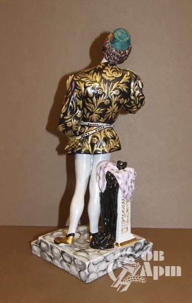 """Скульптура """"Л.В.Собинов в партии Ромео в опере Ш.Гуно """"Ромео и Джульетта"""""""
