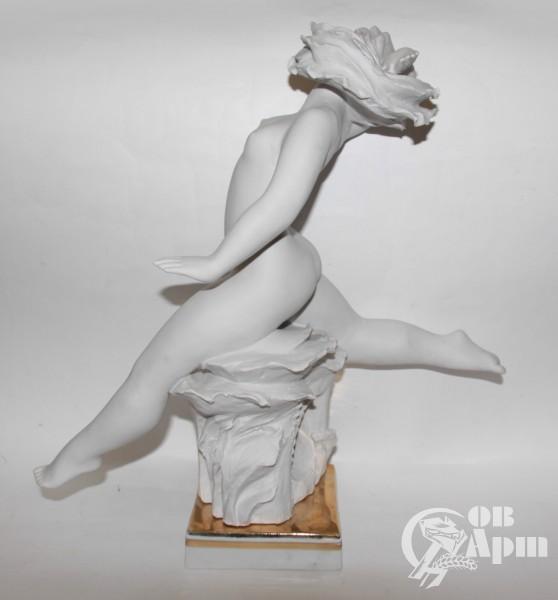 "Скульптура ""Лето"""