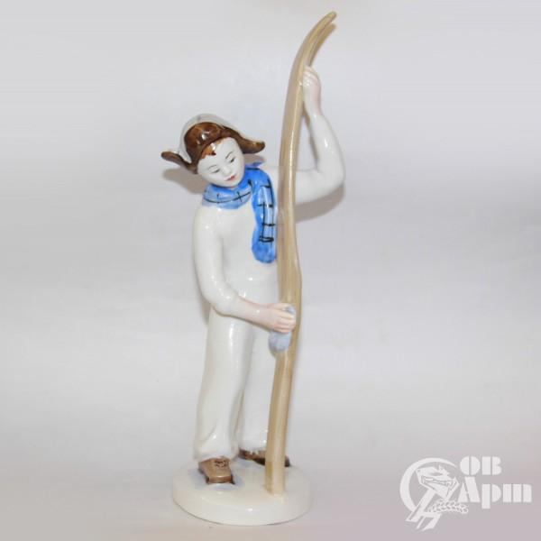 """Скульптура """"Лыжник"""""""