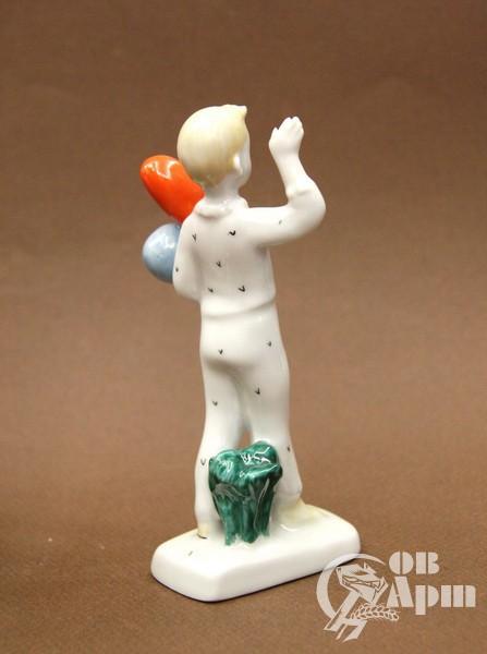 """Скульптура """"Мальчик с шариками"""""""