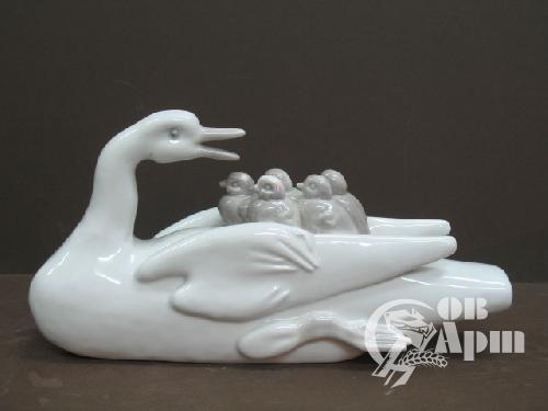 """Скульптура """"Материнство"""""""