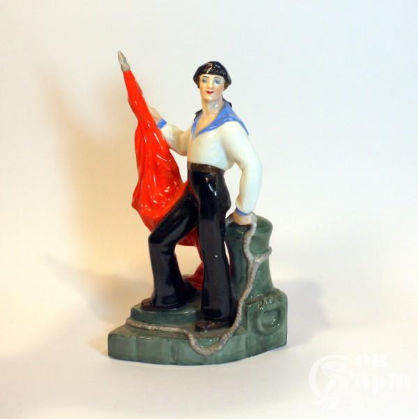 "Скульптура "" Матрос со знаменем"""