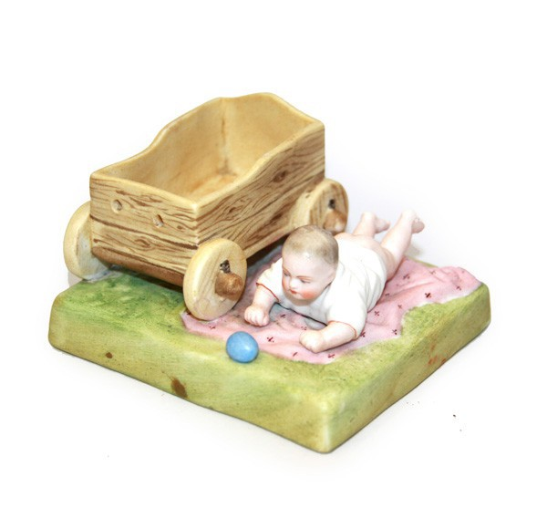 """Скульптура """"Младенец у детской тележки"""""""