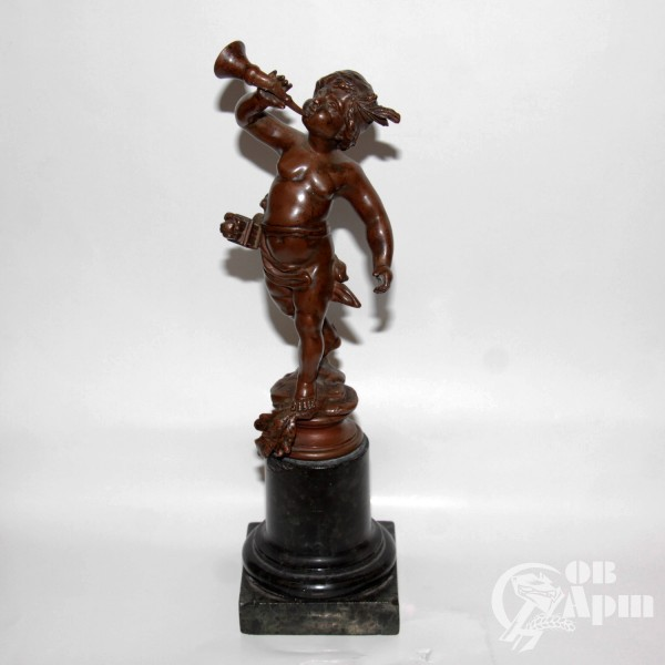 """Скульптура на подставке """"Путти"""""""