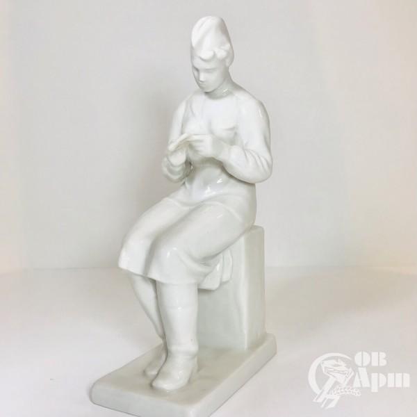 """Скульптура """"Письмо из дома»"""