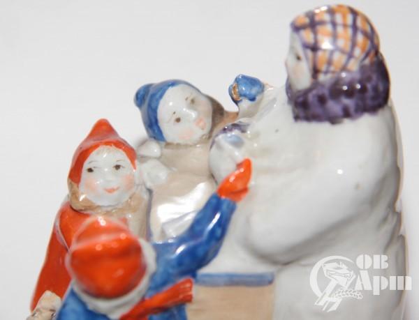 """Скульптура """"Продавщица мороженого"""""""