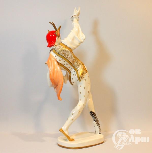 """Скульптура """"Шут"""". Артист Г. Ф.Соловьев в балете """"Лебединое озеро"""""""