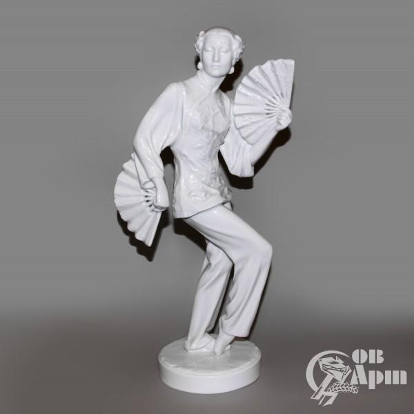 "Скульптура ""Г. Уланова в партии Тао Хоа"""