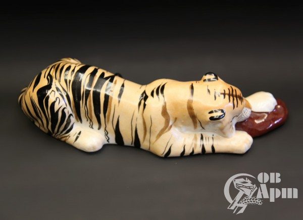 """Скульптура """"Тигр с мясом"""""""