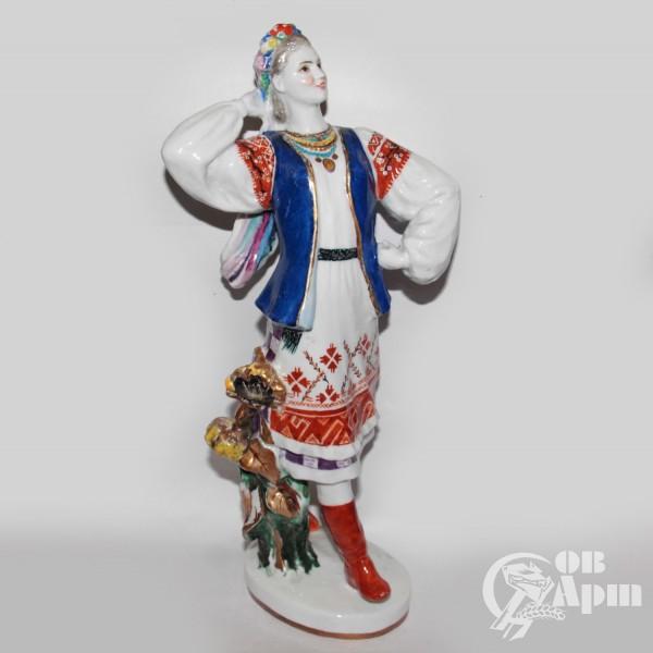 "Скульптура ""Украинка"""