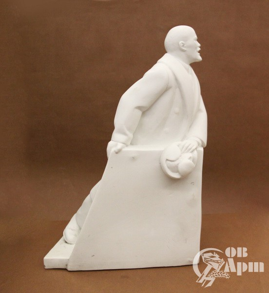 "Скульптура ""В.И. Ленин на трибуне"""