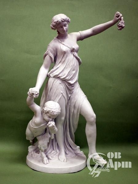 """Скульптура""""Вакханка с маленьким сатиром"""""""