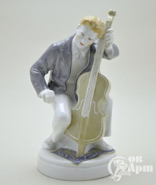 "Скульптура ""Виолончелист"""