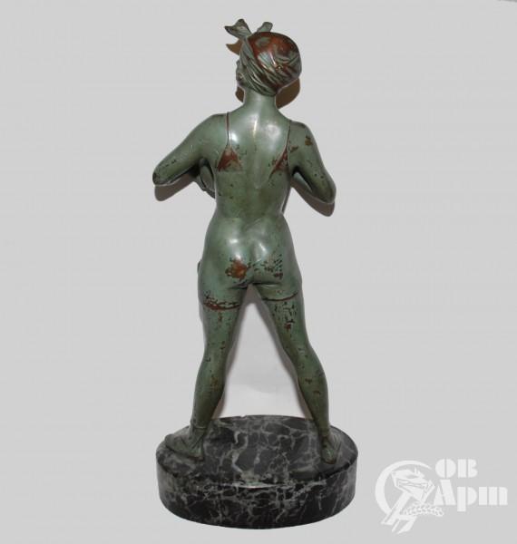 """Скульптура """"Волейболистка"""""""