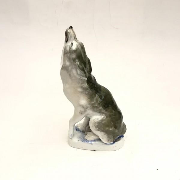 """Скульптура """"Воющий волк"""""""