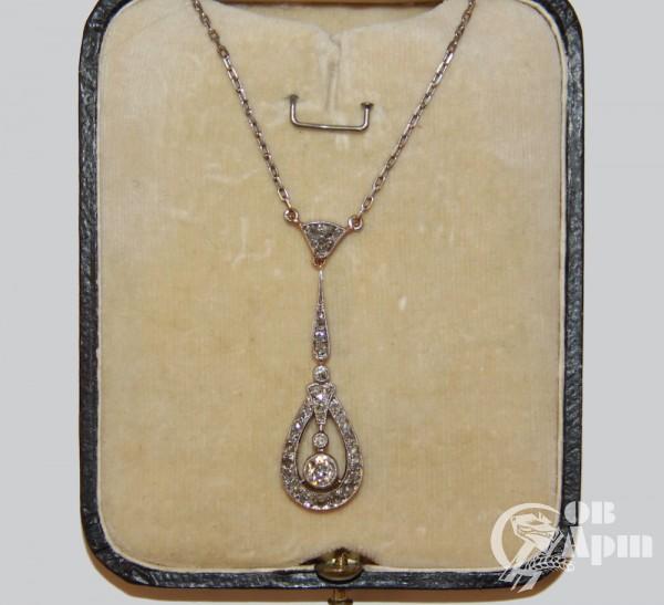 Сотуар из платины с бриллиантами и алмазами