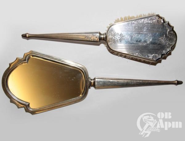 Талетный набор: зеркало и щетка