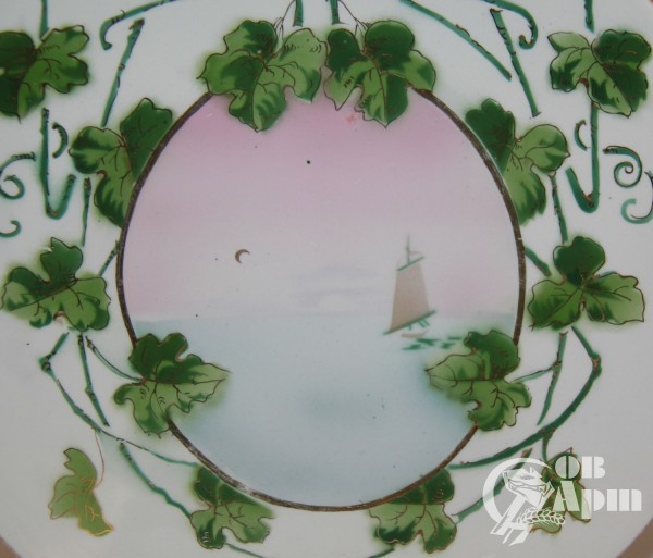Декоративная тарелка с пейзажем