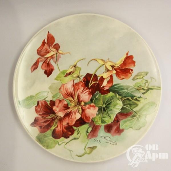 Тарелка декоративная с изображением цветов