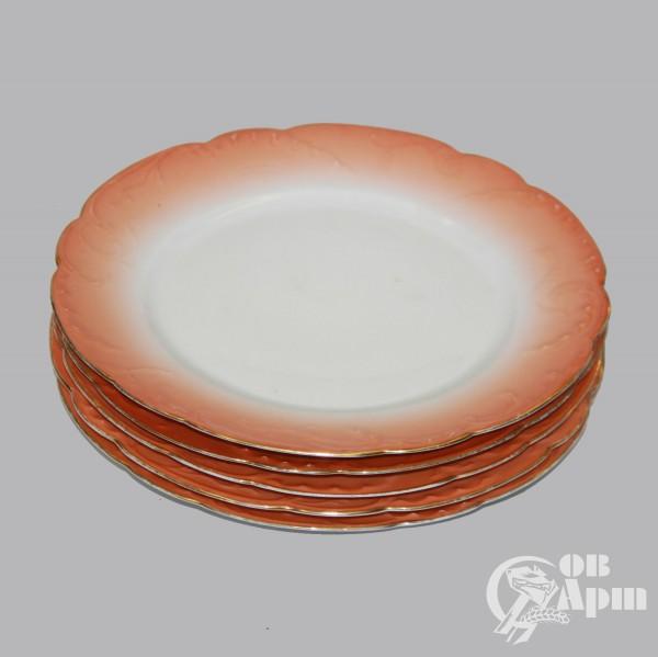 Тарелки столовые с оранжевой каймой