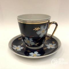 """Большая чайная пара """"Белые цветы на синем"""""""