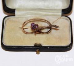 Брошь с аметистами и алмазами
