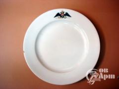 """Две тарелки из """"Повседневного"""" сервиза"""