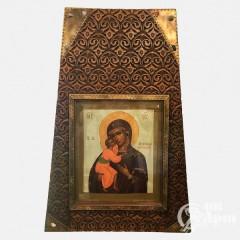 """Икона """"Богоматерь Феодоровская"""" в киоте"""