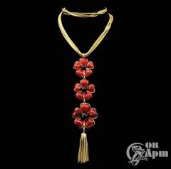 """Колье CHANEL """"Красные цветы"""" со стеклом Gripoix"""