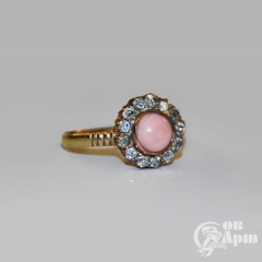 "Кольцо ""Малинка"" с кораллом и бриллиантами"