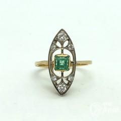 Кольцо маркиз с изумрудом и бриллиантами