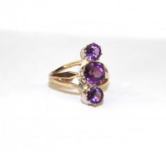 Кольцо с аметистами и фиолетовым стеклом