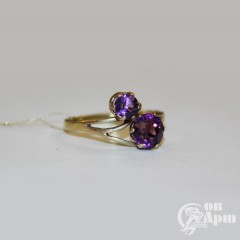 Кольцо с аметистом и ювелирным стеклом