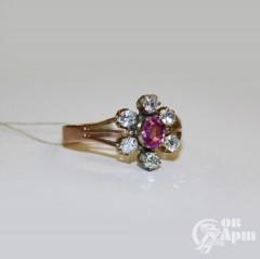 Кольцо с бриллиантами и розовым сапфиром