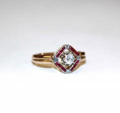 Кольцо с бриллиантами и рубинами выращенными